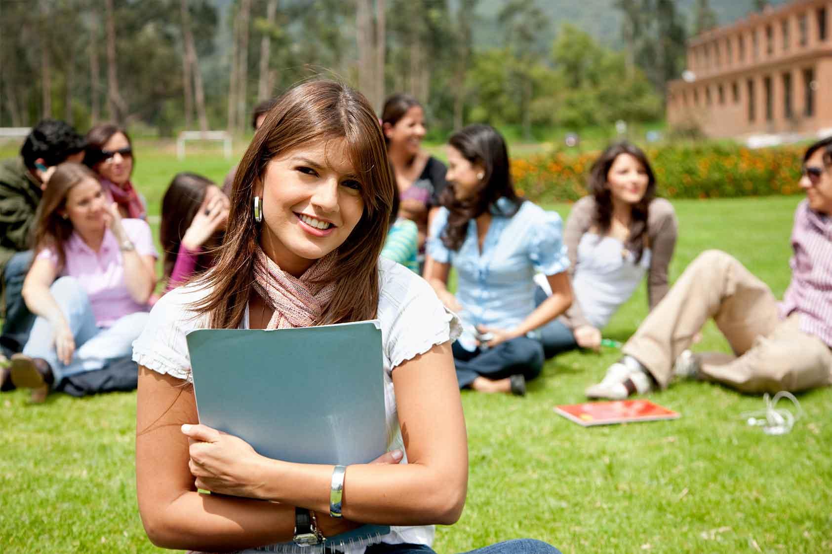 14 Maneras de Usar el Marketing de Eventos con Universitarios